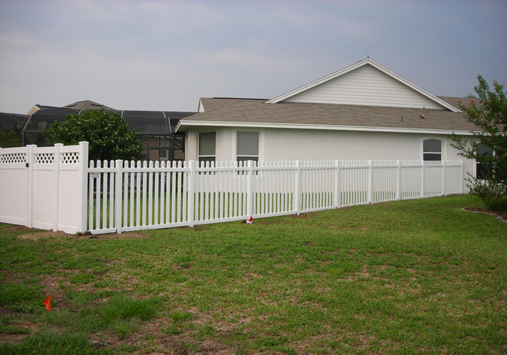 Low Cost White Vinyl Fence